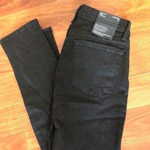 J Brand Mid-Rise Skinny in Black (Brand new!)